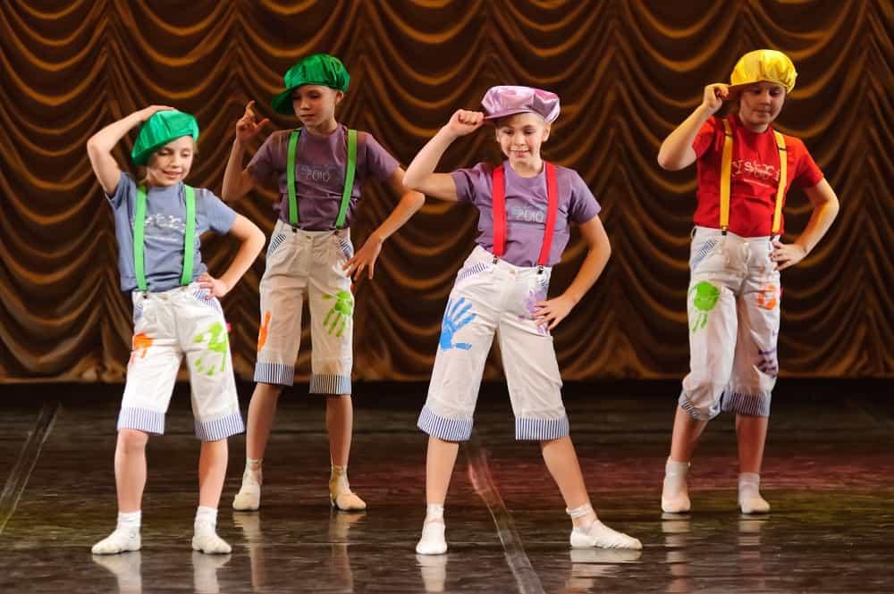 Performing arts school holiday workshops